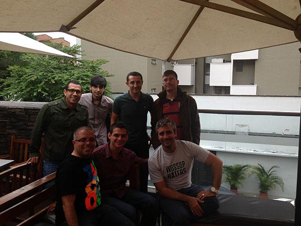 Con Luis David Tobon, Alejandro Formanchuk, Camilo Vera, Juangui Estrada, Lisandro Caravaca, Sergio Andres y J Camilo Ruiz en Medellin