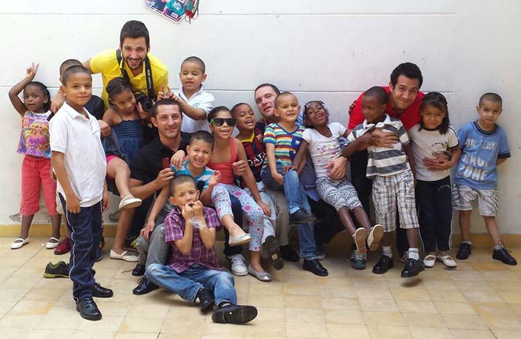 Nuestra visita a Fundación Aliada para Ti (FUNATI) con los niños calzando Eli 1957
