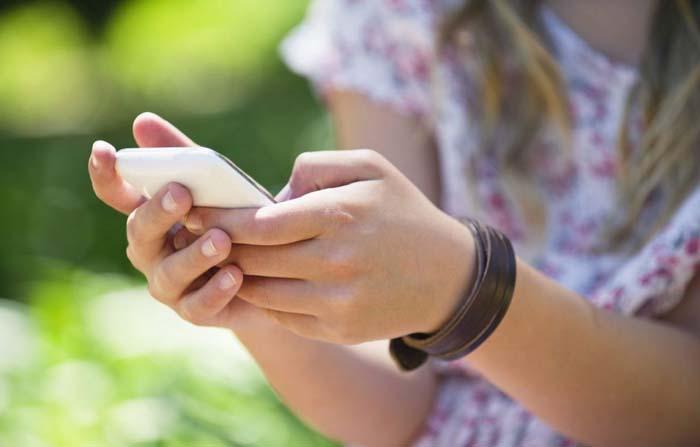 Impacto de las pantallas de los dispositivos móviles en nuestro cerebro