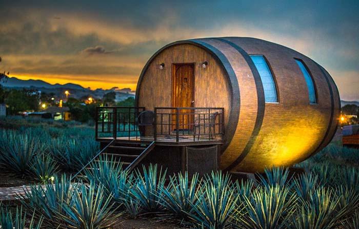 Hotel Matices en México: dormir en barriles gigantes de tequila