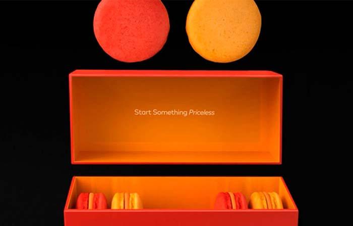 Branding gustativo: Macarons de Mastercard que simbolizan su marca