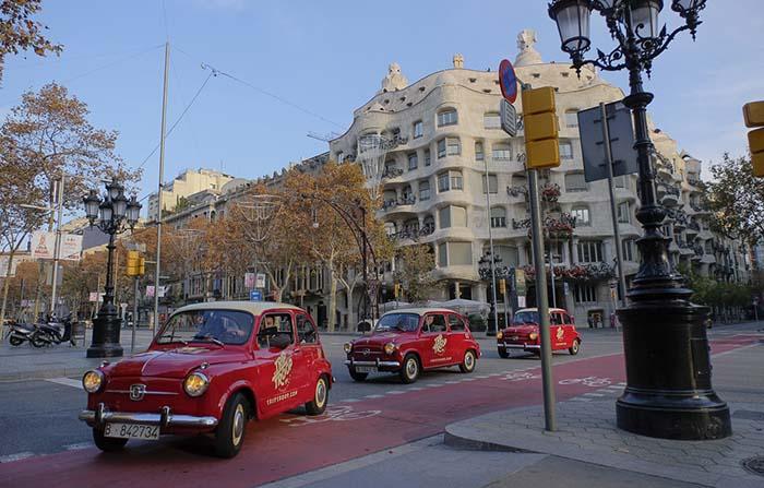 Trip Troop, alquiler de coches 600 para tours con nostalgia por la ciudad